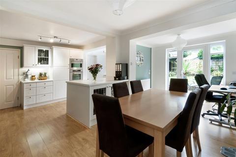3 bedroom semi-detached house to rent - Forest Road, Paddock Wood, Tonbridge