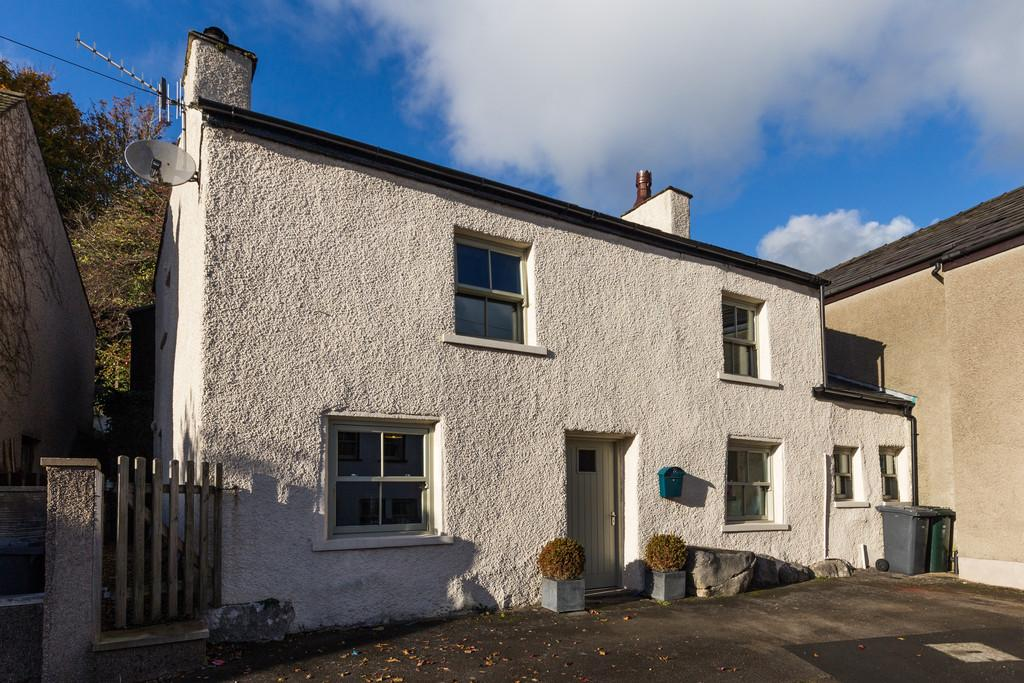 3 Bedrooms Cottage House for sale in 121 Main Street, Warton, Carnforth, LA5 9PN
