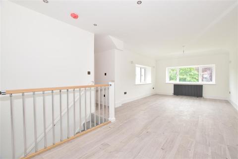 1 bedroom maisonette for sale - Elmbridge Road, Cranleigh, Surrey