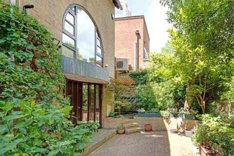 5 bedroom end of terrace house for sale - Tower Close, Hampstead, London, NW3