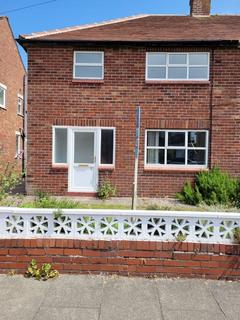 3 bedroom semi-detached house to rent - Dobson Avenue, Blackpool FY8