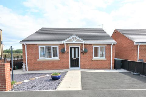 2 bedroom bungalow for sale - Milford Meadow, South Church, Bishop Auckland, Durham