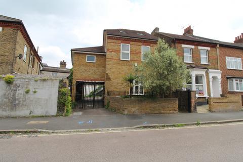 4 bedroom detached house for sale - Florence Road, Bromley, BR1