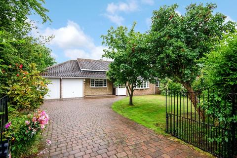 3 bedroom detached bungalow for sale - Station Road, Swinderby, Lincoln