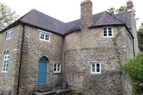 3 bedroom character property to rent - The Duckery BA11