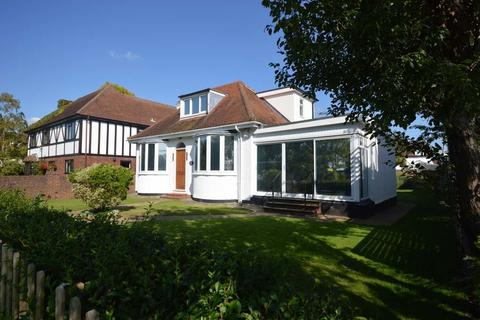 3 bedroom chalet for sale - Thames Side, Staines-upon-Thames