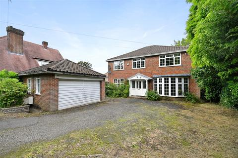 5 bedroom detached house to rent - Moor Park Road, Northwood, Middlesex, HA6