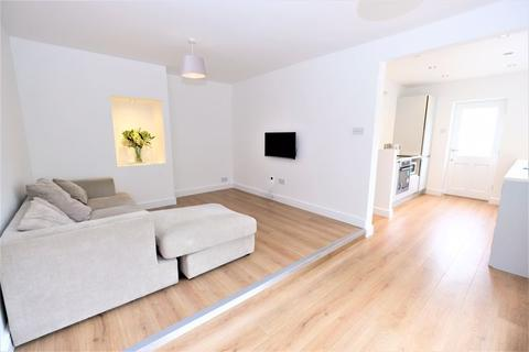 2 bedroom semi-detached bungalow for sale - Mayhill Drive, Salford