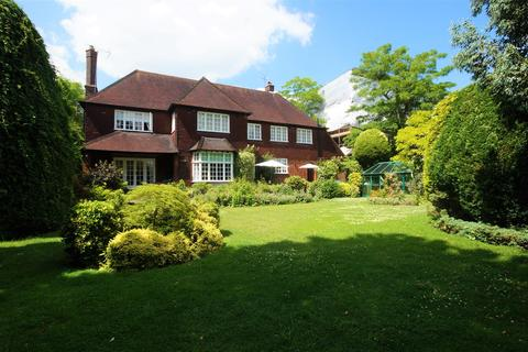 4 bedroom detached house for sale - Alderton Hill, Loughton