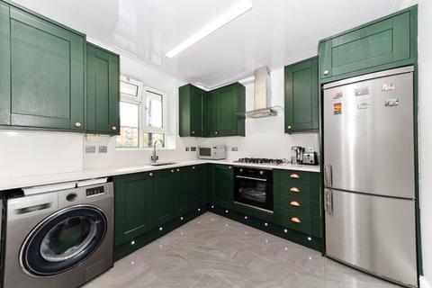 4 bedroom flat for sale - Devons Road, London