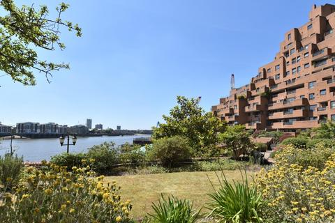 3 bedroom flat for sale - 340 The Highway, London