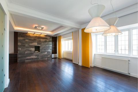 3 bedroom flat for sale - WELLINGTON COURT, NW8