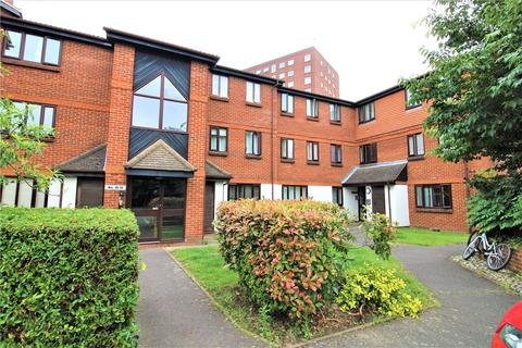 1 bedroom apartment for sale - Gade Close, Hayes, Middlesex, UB3