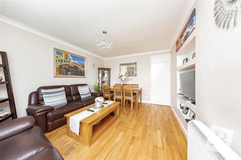 3 bedroom apartment for sale - Kershaw Road, Dagenham, RM10