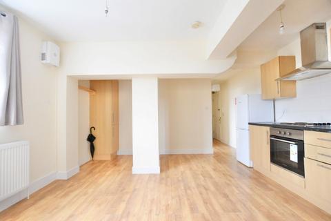 2 bedroom apartment to rent - Southgate Road, EN6