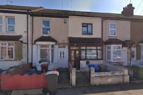 3 bedroom terraced house to rent - Charlton Street, South Stifford, Grays/ london  RM20