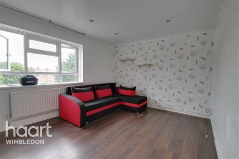 3 bedroom flat to rent - Gap Road, SW19
