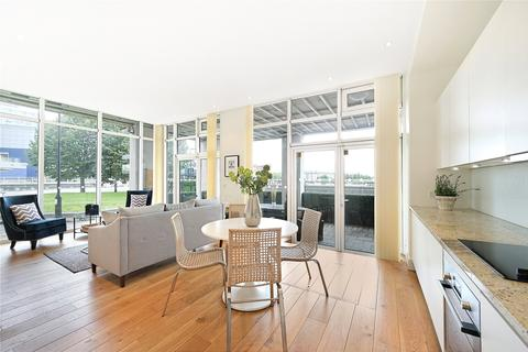 2 bedroom apartment for sale - Waterfront House, Lombard Road, London, SW11