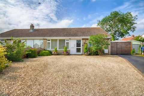 2 bedroom bungalow for sale - Cleevecroft Avenue, Bishops Cleeve, Cheltenham, Gloucestershire, GL52