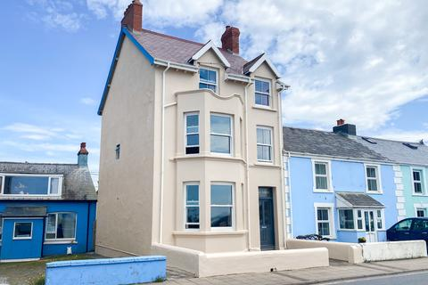 5 bedroom end of terrace house for sale - High Street, Borth