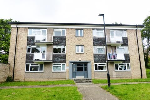 2 bedroom flat to rent - Bycullah Road, Enfield