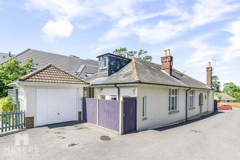 5 bedroom detached bungalow for sale - Wimborne Road, Bear Cross, BH11