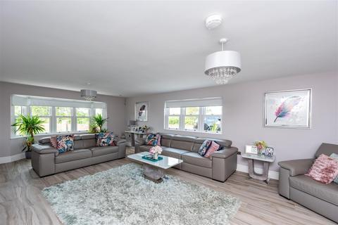 5 bedroom detached house for sale - Pen Y Cae Lane, Loughor, Swansea
