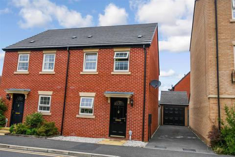 3 bedroom semi-detached house for sale - Black & Amber Way, Hull