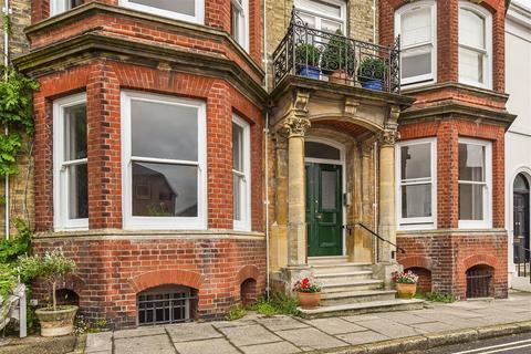3 bedroom apartment for sale - Maltravers Street, Arundel