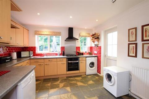4 bedroom detached house for sale - New Place Road, Pulborough, West Sussex