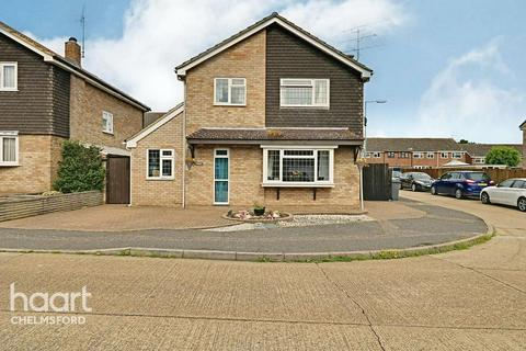 5 bedroom detached house for sale - Peregrine Drive, Chelmsford