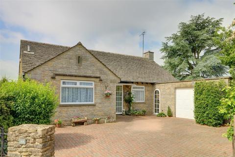 3 bedroom house for sale - 88 The Street, Hullavington, Chippenham