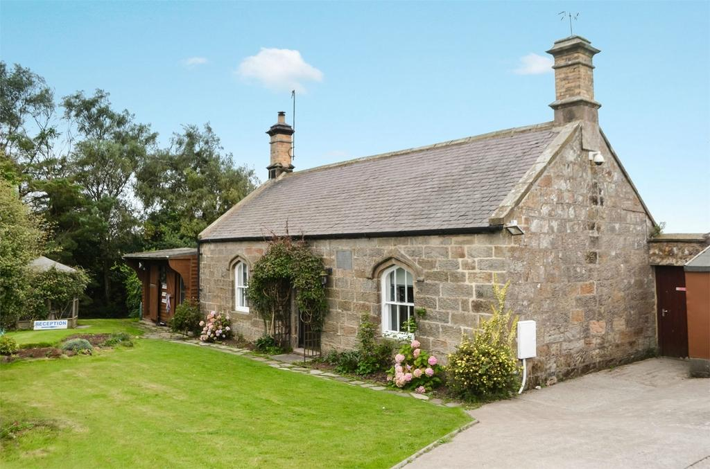 2 Bedrooms Cottage House for sale in Pattersons Cottage Kennels Business, Charlton Mires, Alnwick, Northumberland