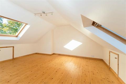 2 bedroom maisonette to rent - Pinewood Road, Iver, SL0