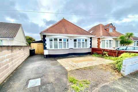 2 bedroom detached bungalow for sale - Harting Road, Bournemouth, Dorset, BH6 5QJ