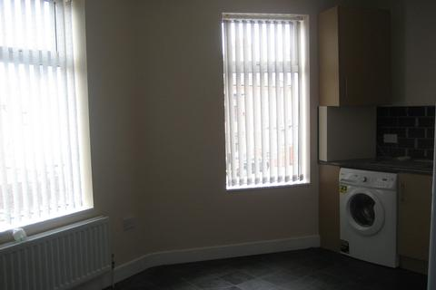 2 bedroom flat to rent - Overton Road, Humberstone, Leicester, LE5