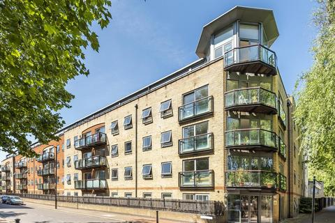 2 bedroom flat for sale - Rotherhithe Street, Surrey Quays