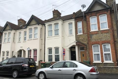4 bedroom terraced house to rent - Otley Road, Canning Town, E16