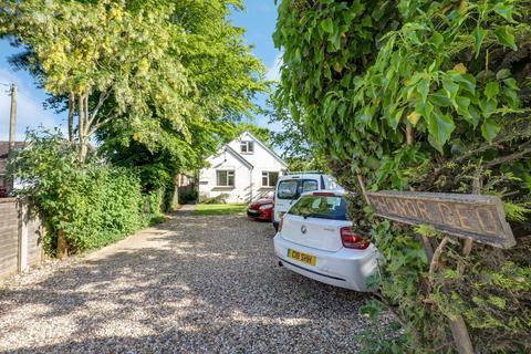 4 bedroom detached house for sale - Honor Deo, Chestnut Street