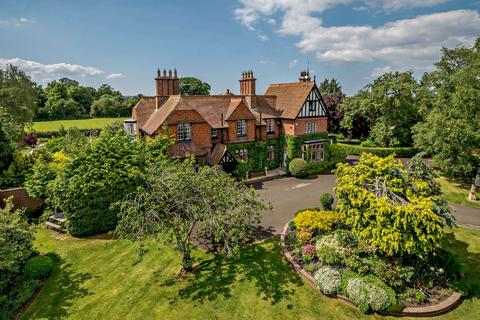 6 bedroom detached house for sale - Wrexham Road, Pulford, Chester