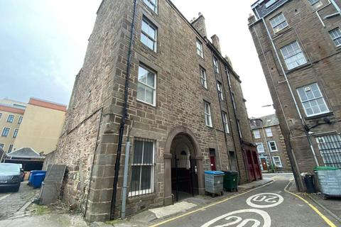 4 bedroom flat to rent - 105A 1/2 Nethergate, ,