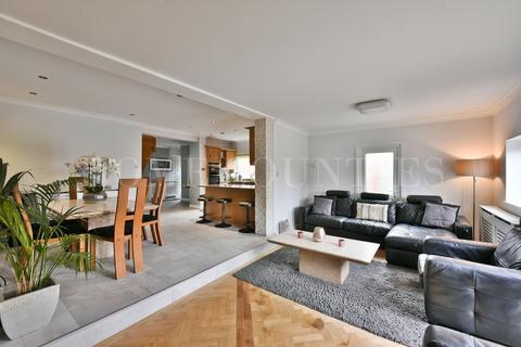 4 bedroom detached bungalow for sale - The Walk, Potters Bar, EN6