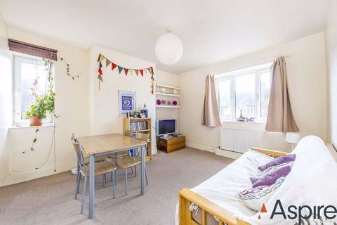 3 bedroom flat to rent - Tooting Grove, Tooting Broadway
