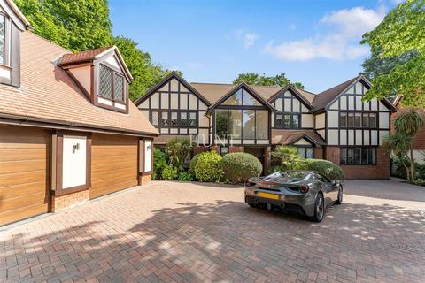 6 bedroom detached house for sale - Stradbroke Park, Chigwell IG7