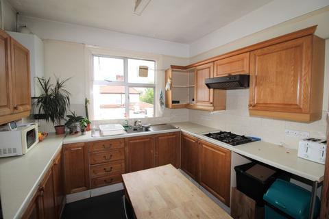 3 bedroom maisonette to rent - Popes Lane, Ealing