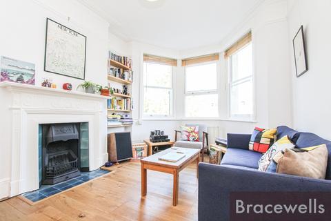 2 bedroom flat for sale - Birkbeck Road, Hornsey, London N8