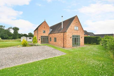 4 bedroom barn conversion to rent - Manor Drive, Norbury Junction, ST20