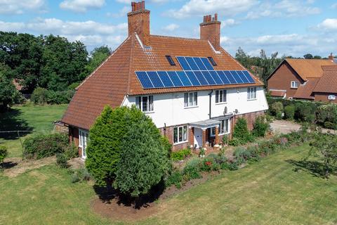 5 bedroom detached house for sale - London Road, New Balderton