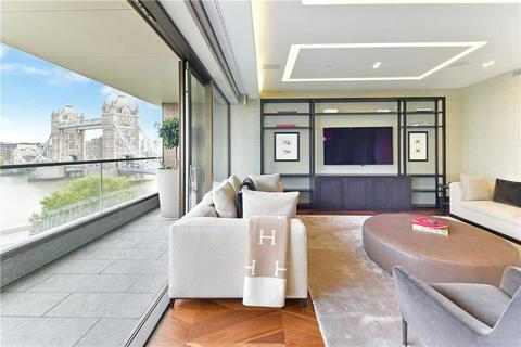 4 bedroom apartment for sale - Blenheim House, Crown Square, London