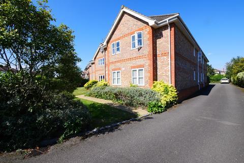 2 bedroom flat to rent - Cumberland Road, Ashford, TW15
